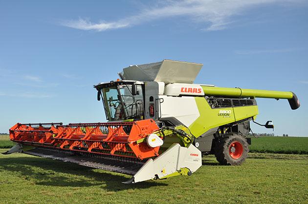 LEXION 8800 AMEGHINO 09 opt Las cosechadoras más potentes del mundo llegaron a América Latina