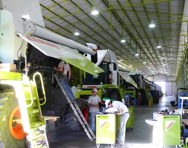 P1070937 opt Una fábrica de expertos en fierros para el campo