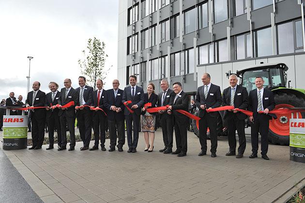 centre opened opt 2 CLAAS construirá un nuevo centro de pruebas en Alemania