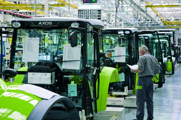 production lemans 02 opt CLAAS fabricó su tractor número 100.000
