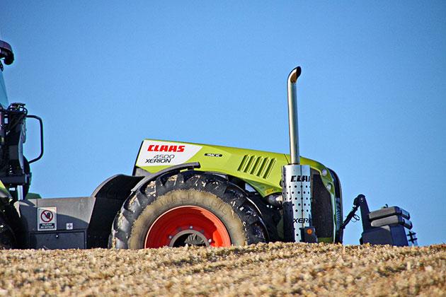 xerion 2 opt La versatilidad de un tractor expresada en términos forrajeros